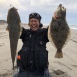遠州サーフでハヤマ氏が釣ったヒラメとマゴチです。